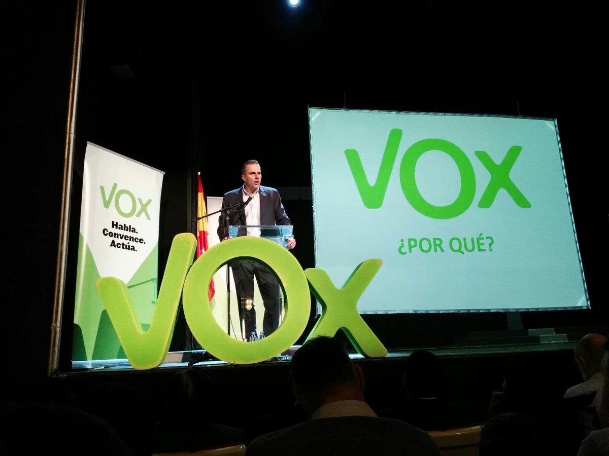 Teatro La Latina de Madrid (España), sábado 21 de enero de 2017. III aniversario de VOX. el Secretario General Javier Ortega. Durante el acto, Ortega ha presentado a los nuevos comités ejecutivos provinciales de un partido que sigue consolidándose por toda España. Lasvocesdelpueblo.