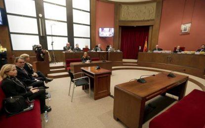 """Juicio 9N: La encausada Ortega contradice a Artur Mas, """"fueron los voluntarios"""""""