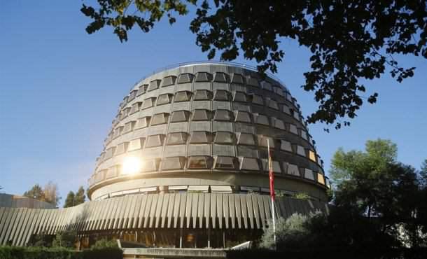 El TC anula el referéndum y da luz verde a la querella contra Forcadell y Mesa del Parlamento