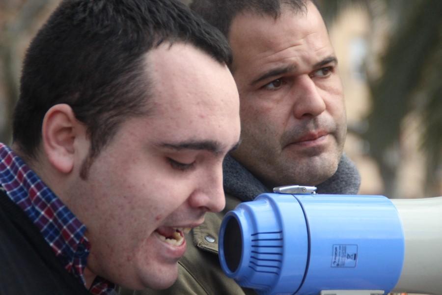 Sábado 28 de enero de 2017. Plaza Arco de Triunfo de Barcelona, ante el Tribunal Superior de Justicia de Cataluña (TSJC), concentración en defensa de la Unidad de España y de apoyo a los 14 encausados por el escrache patriótico de la sede del gobierno catalán en Madrid, durante el día del separatismo catalán, 11-S 2013. En la imagen, Juan de Haro, el Coordinado Nacional de Agrupaciones de la juventud del partido Democracia Nacional (DNJ), durante su intervención en el acto que según la organización estuvieron presentes más 700 personas para mostrar su apoyo a los patriotas españoles. Lasvocesdelpueblo.