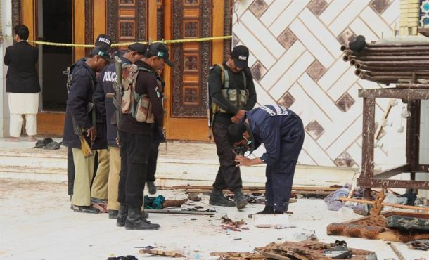 Aumentan a 76 los muertos en el atentado en templo sufí de Pakistán