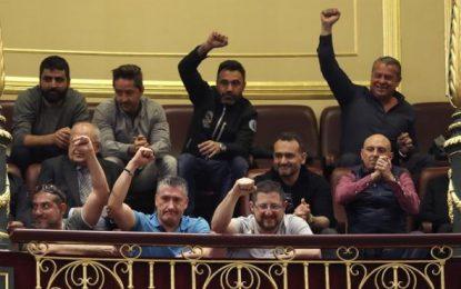 Los estibadores desconvocan la huelga tras no respaldar el Congreso la reforma
