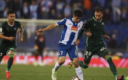 El Español remonta al Betis en tres minutos (2-1)