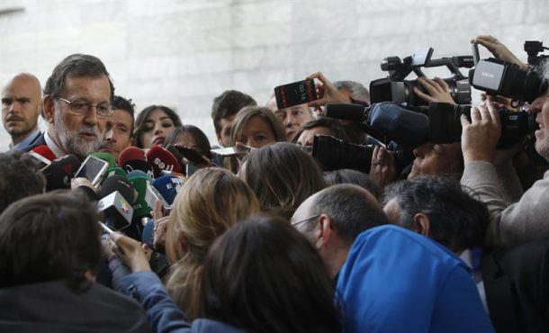 """Rajoy: """"Iré encantado a responder lo que tengan a bien preguntar y a aclarar"""""""