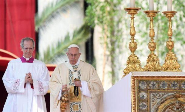 """El Papa: """"Que el Señor Resucitado done el valor de evitar que se propaguen los conflictos"""" en el mundo"""