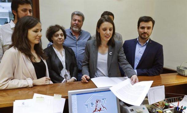 La extrema izquierda ha registrado hoy su moción de censura contra el Gobierno del PP