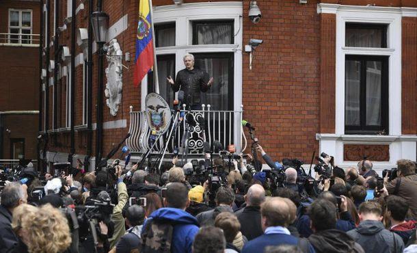 La Fiscalía sueca no pedirá la extradición del fundador de WikiLeaks, Julian Assange