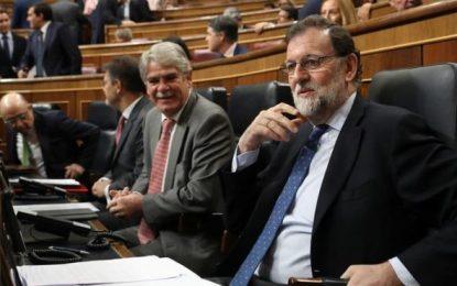 """Rajoy: Suárez """"jamás hubiera liquidado la Soberanía Nacional"""", no habrá referéndum en Cataluña"""