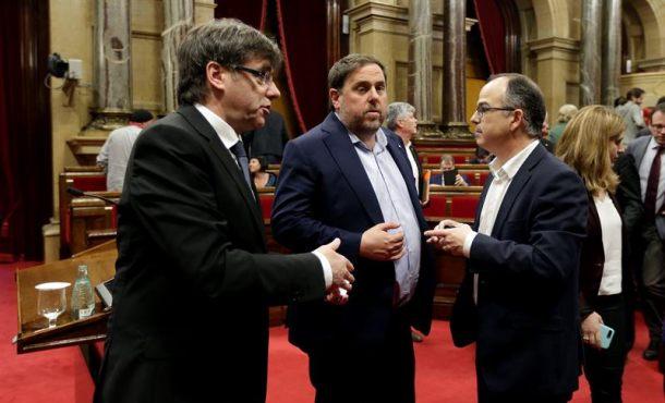 """La Generalidad acusa a Rajoy de """"saltarse la Ley en Cataluña"""" y anuncia """"batalla jurídica"""""""