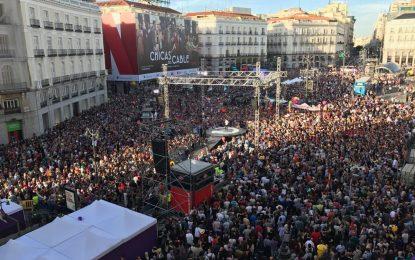 """El ultra Pablo Iglesias y extrema izquierda inundan la Plaza del Sol contra el PP, """"fuera de aquí"""""""
