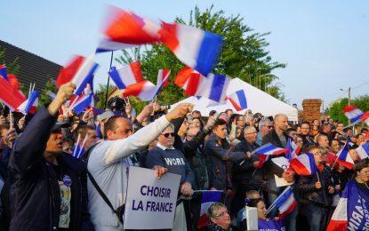 Abren los colegios en Francia para la segunda vuelta de las presidenciales