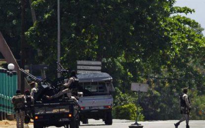 Al menos 20 civiles heridos en el motín de excombatientes en Costa de Marfil (África)