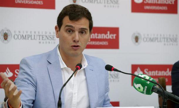 """Rivera pide a Rajoy hacer cumplir la Ley: Ni """"urnas"""" ni """"papeletas"""" del referéndum en Cataluña"""