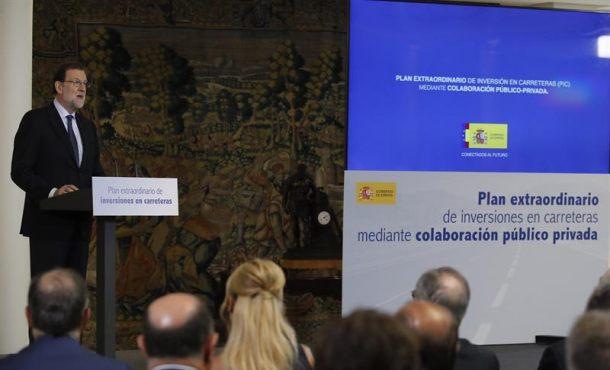 """Rajoy: Lo de """"hoy"""" es otra """"muestra más de la deriva autoritaria"""" de Puigdemont que """"rompe la Ley"""" en Cataluña"""