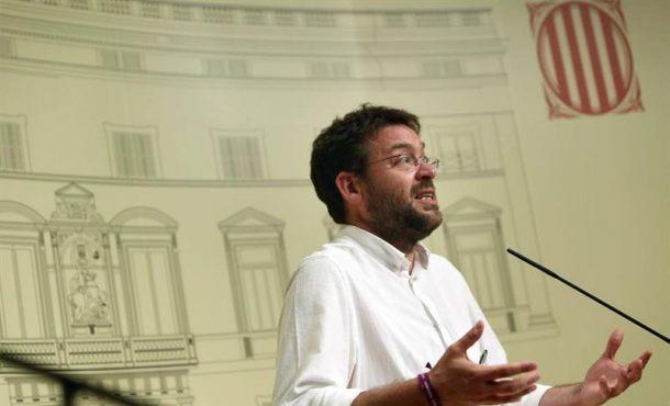 Un Podemos Cataluña que se queda solo con su apoyo al referéndum consultará a la militancia