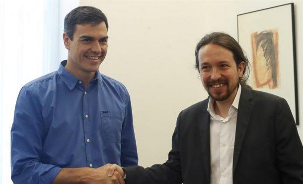 Sánchez e Iglesias alcanzan su primer acuerdo para enfrentarse a Rajoy