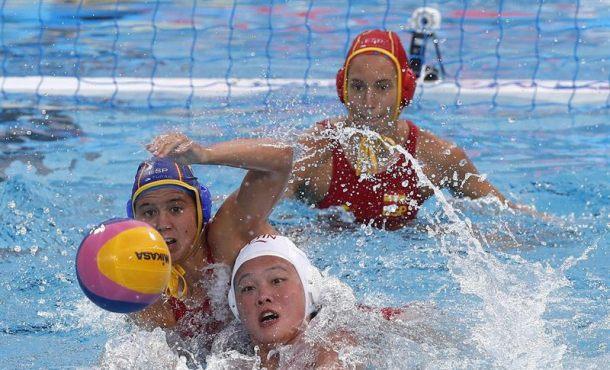 La selección femenina española de waterpolo muestra su mejor waterpolo, cuartos de final