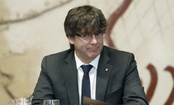 """Puigdemont denuncia """"incremento de amenazas y agresiones"""" del Estado contra separatismo"""
