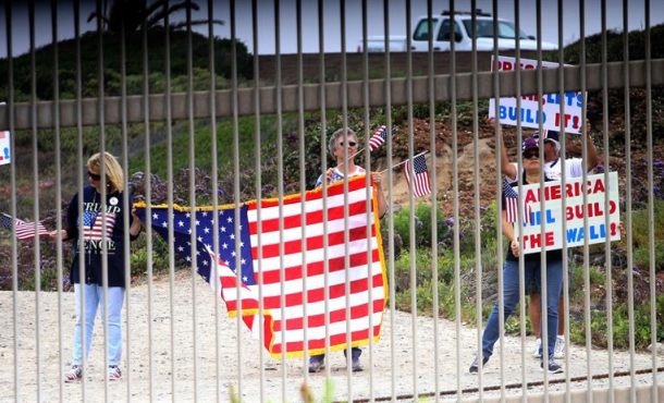 Hillary Clinton (Demócratas) votará a favor de la construcción del muroentre EE.UU y México