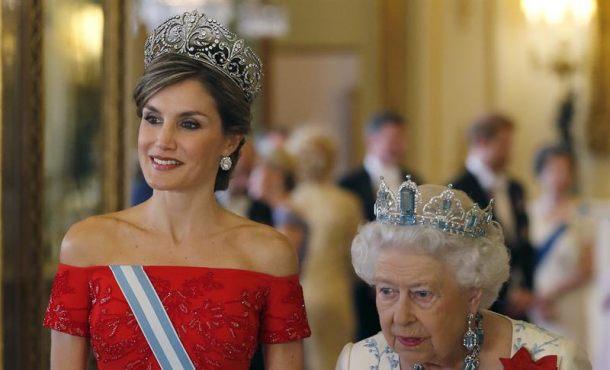 """Isabel II de Inglaterra garantiza """"amistad duradera"""" con España """"sean cuales sean los desafíos"""""""
