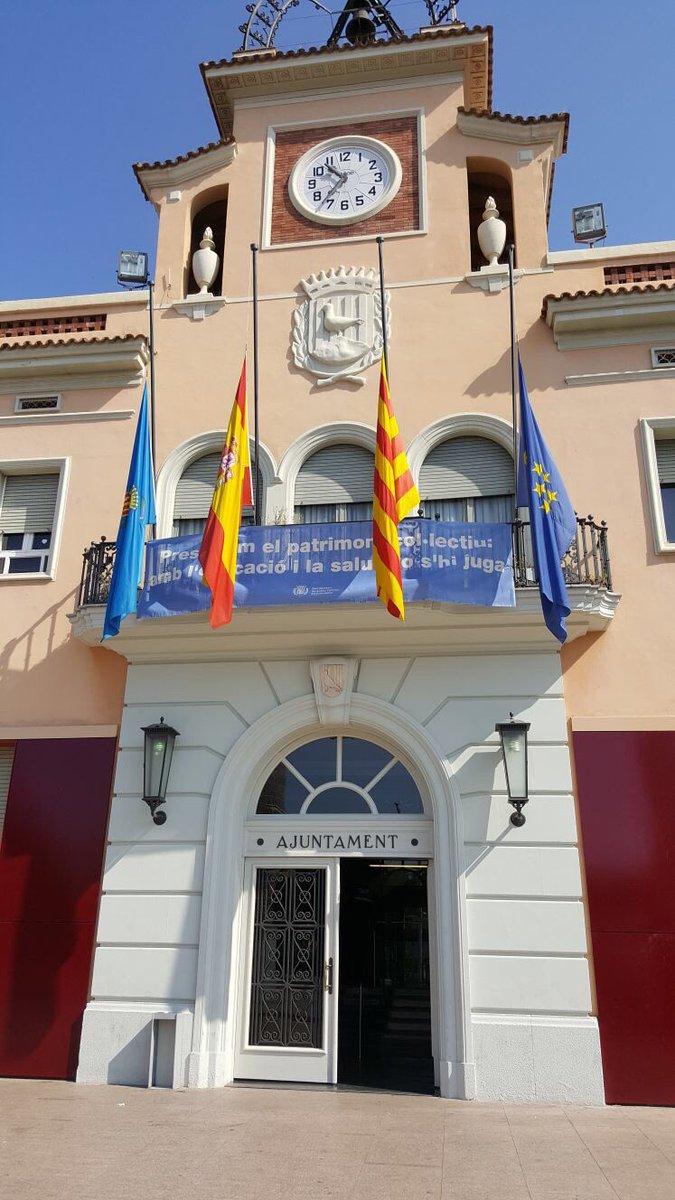Banderas a media asta en Santa Coloma de Gramanet por la muerte del sargentoAntonio López