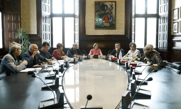 La Mesa de Parlamento de Cataluña omite de nuevo la Ley de Referéndum y de Transición