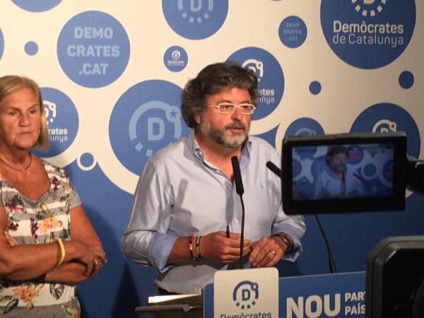 """JxSí se burla de España: """"Sí votas SÍ, no podrás"""" ver nunca el """"Día de la Raza (12-O)"""" en Cataluña"""