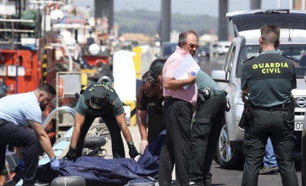 Hallan el cadáver de una mujer flotando en el puerto de Algeciras