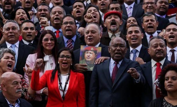 """El constituyente chavista quiere """"liberar a Venezuela de la opresión y burguesía Nacional"""""""