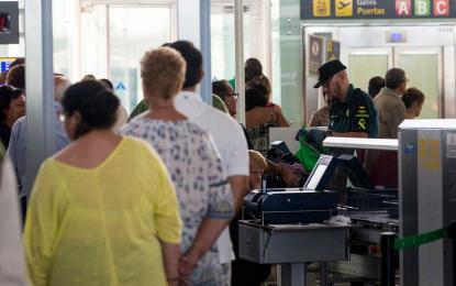 """El Gobierno, """"partícipes"""" en el cambio de nombre de Aeropuerto de Barcelona por«Felipe VI»"""