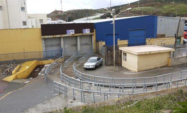 La Guardia Civil y la Policía Nacional en alertaal vallado fronterizo de Ceuta