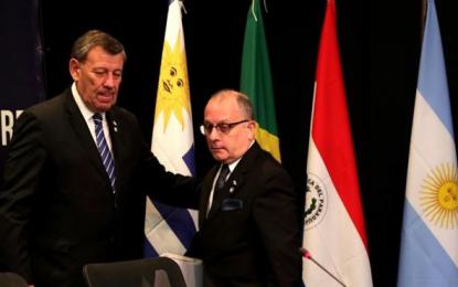 Uruguay dice votar a favor del pueblo, al suspender a Venezuela del Mercosur