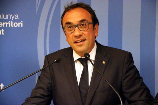 """Puigdemont urge a Rajoy la retirada de la """"Guardia Civil"""" y los """"Mozos"""" en Aeropuerto El Prado"""