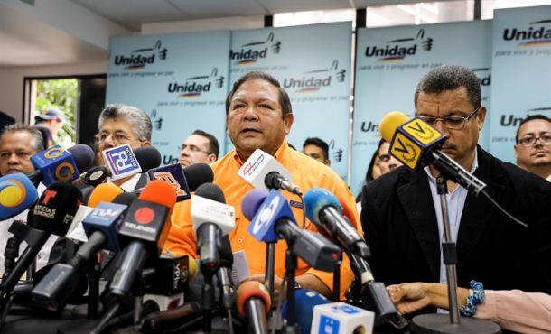 """La oposición de Venezuela, del """"no retorno"""" hasta echar a Maduro a la inscripción en listas electoras"""