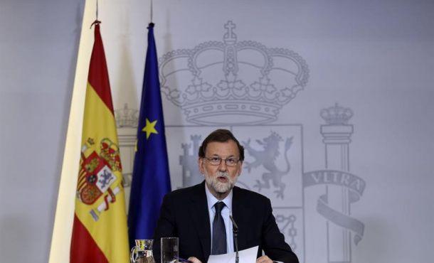 """Rajoy se plantea entregar a los Mozos el control total de Cataluña pero """"no en caliente"""""""