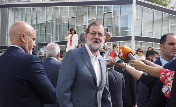 Rajoy pide sensatez para aislar a los radicales que condicionan al Gobierno de Cataluña