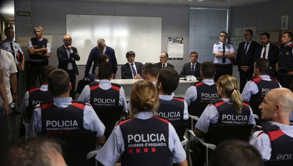 Policía Nacional halla archivos que relacionan a mandos y agentes de Mozos con el 1-O