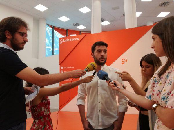 """Ciudadanos Cs: """"PP y PSOE"""" dan """"pena"""", no trataron """"con debida seriedad"""" al separatismo"""
