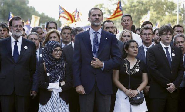 """Puigdemont: """"Los catalanes han manifestado su solidaridad"""" y """"queremos vivir en libertad"""""""