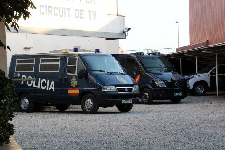Despliegue de la Policía Nacional en Figueres (Gerona) a las puertas del 1-O
