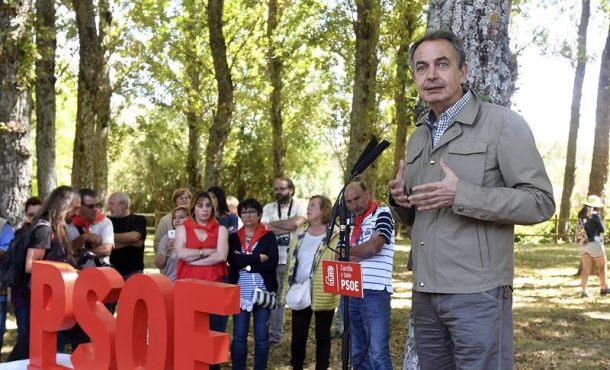"""Zapatero: """"Hay que decir"""" a Puigdemont """"muy claramente"""" que España """"sabrá contener el desafío"""""""
