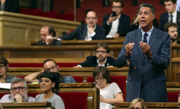 """Quieren """"imponer un modelo político"""" en Cataluña """"mezcla entre bolivariano y régimen autoritario"""""""