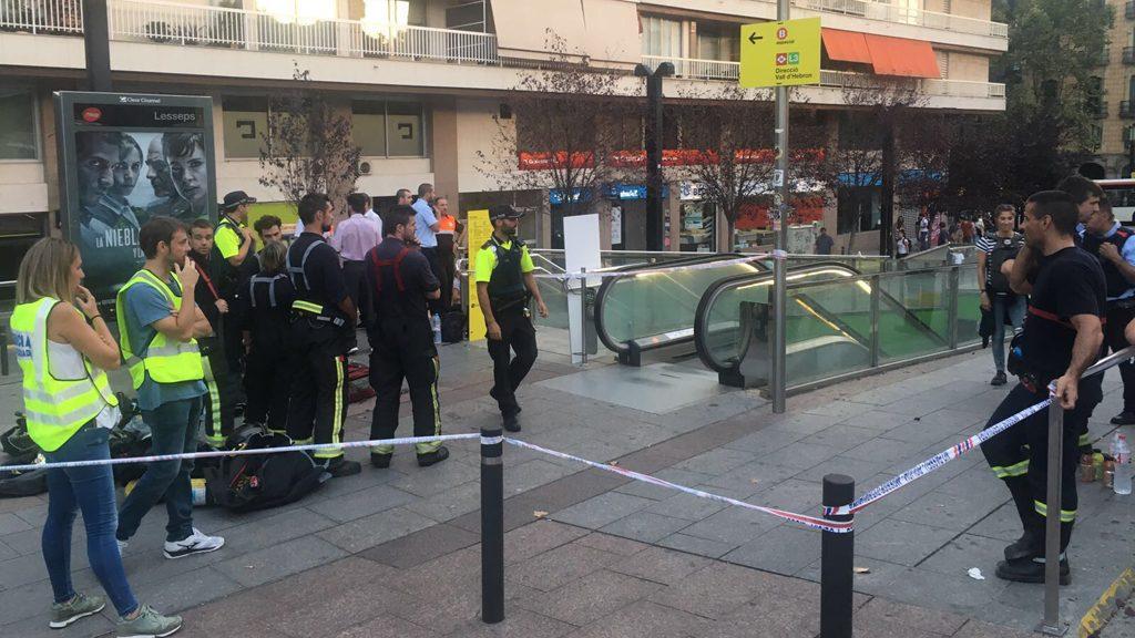 Desalojan la estación de Lesseps (Cataluña) por hallazgo de sustancia desconocida en dos trenes
