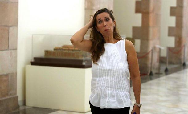Puigdemont y PP catalán, media hora de negociación secreta en un bar del Parlamento catalán
