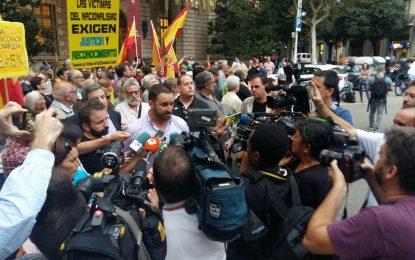 Abascal exige en Barcelona a Rajoy que aplique el Artículo 155 con urgencia en Cataluña