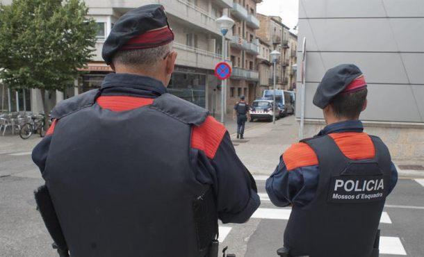 Los Mozos dan instrucciones a Policías Locales de Cataluña para requisar también las urnas de 1-O