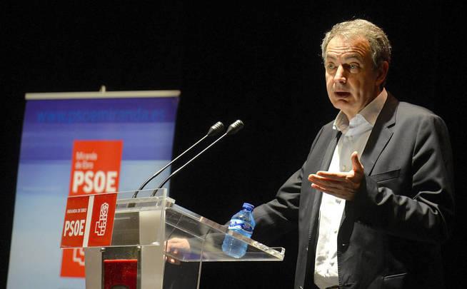 """Zapatero: """"Rajoy tiene el apoyo incondicional del PSOE en defensa de la Ley"""" en Cataluña"""