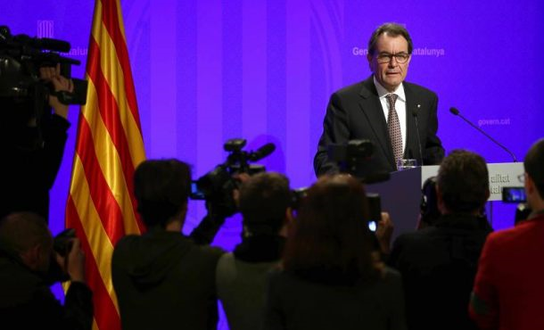 Artur Mas no quiere pagar la fianza por el golpe del 9N y se expone a un embargo de sus bienes