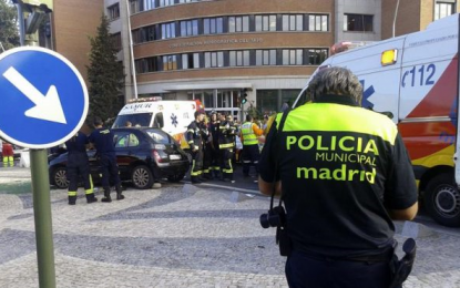 Muere un niño en Usera (Madrid) tras impactar un coche contra la tienda china