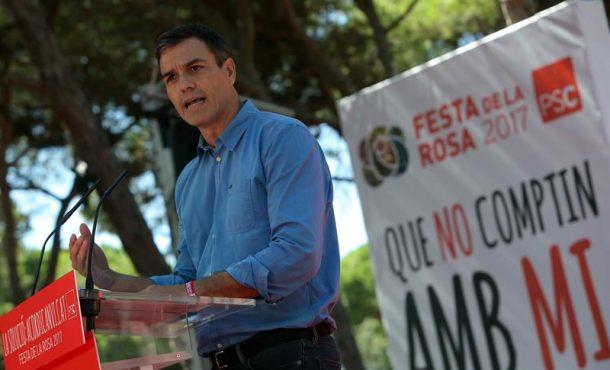 """Sánchez: """"Ese error"""" de Rajoy no puede justificar la deriva de """"la vía unilateral"""" separatista"""